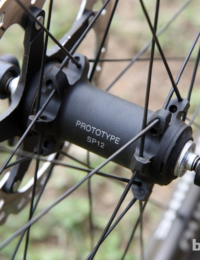 Shimano look to have both through-axle and standard quick-release versions of their new front hub