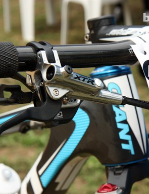 The Shimano XTR Race brake lever is paired with the trigger shifter via Shimano's i-Spec integrated bracket