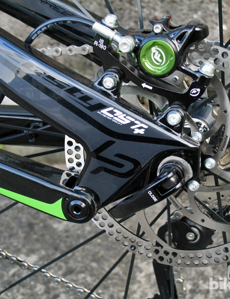 Custom-colour Formula RX callipers match the green graphics on the Zesty 514