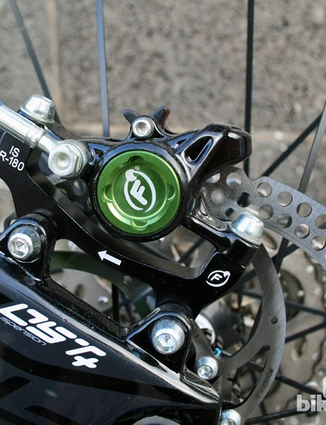 The Lapierre Zesty 514 comes with 180mm discs front and rear