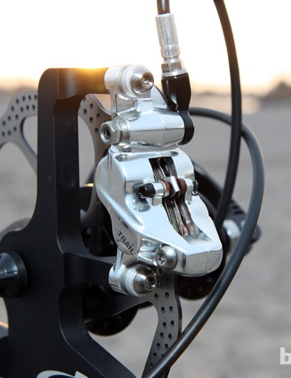 Unfortunately, the new four-piston Avid X0 Trail caliper won't use the same pads as the standard X0 model
