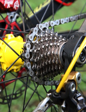 Cedric Gracia's (CG Racing Brigade) Santa Cruz V-10 Carbon runs with Shimano's current nine-speed Saint group
