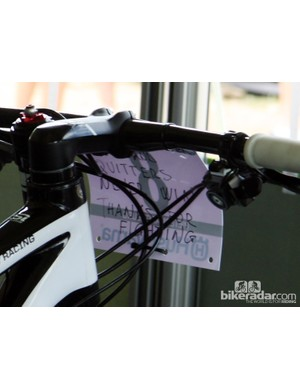 Words of encouragement on the back of Marco Aurelio Fontana's (Cannondale Factory Racing) number plate