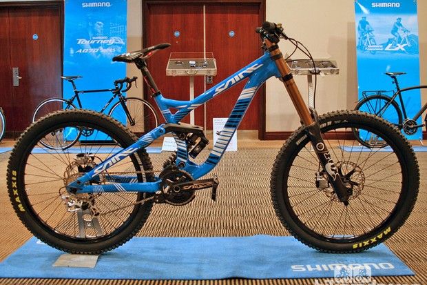 Shimano displayed this Commencal DH V3 decked out with prototype Saint bits at their UK new product presentation