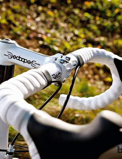 Deda provide a high quality stem and bar combo on the Ribble