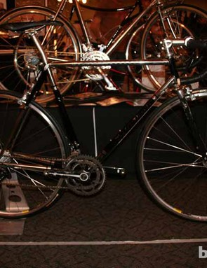 As is the case with Paulus Quiros's 29er, this road bike is nameless and is the first production road model they've made