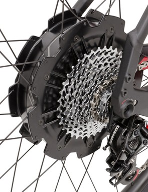 The rear wheel houses the Direct Drive hub motor. An oversize through-axle simplifies wheel changes and puncture fixing