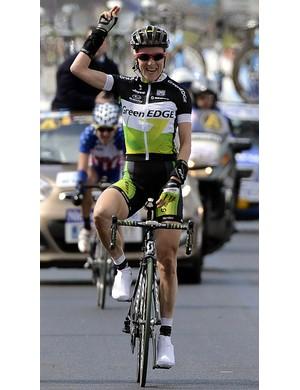 Judith Arndt (GreenEdge) wins the women's Tour of Flanders