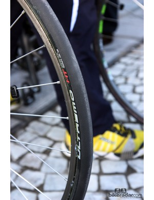 Schwalbe Ultremo HT tubular tires on the bikes of Farnese Vini-Selle Italia.