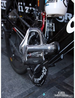 Andreas Klier (Garmin-Barracuda) was the one black sheep of the team with his aluminum-bodied Shimano Dura-Ace SPD-SL pedals.