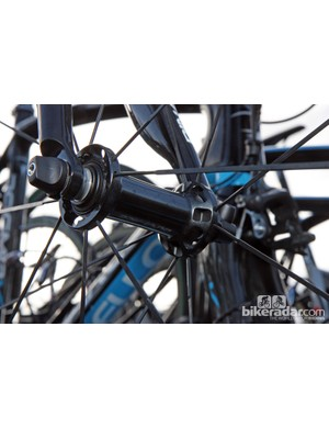 Spotted on several bikes at Ronde van Vlaanderen was Shimano's prototype carbon tubular wheelset. Not surprisingly, Shimano is sticking with an aluminum hub body and adjustable cup-and-cone bearings but the wider flange spacing suggests improved lateral stiffness relative to current versions.