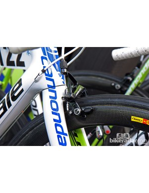 Liquigas-Cannondale is still running the previous-generation SRAM Red.