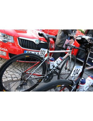 Three-time world champion Oscar Freire (Katusha) gets this custom painted Canyon Aeroad CF for Ronde van Vlaanderen.