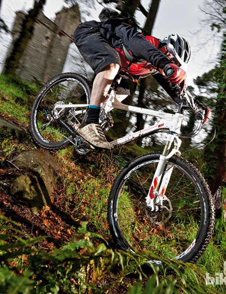 The Escarpe 1 is an impressively well balanced and versatile trail bike, with no weak links at a remarkable price