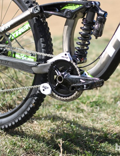 SRAM's X0 color-matched short cage rear derailleur, Descendant crank and MRP G2 chain guide make up a top tier drivetrain