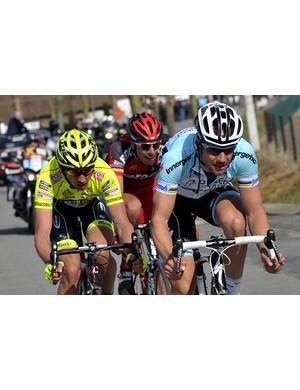 Boonen leads Pozzato and Ballan in the break