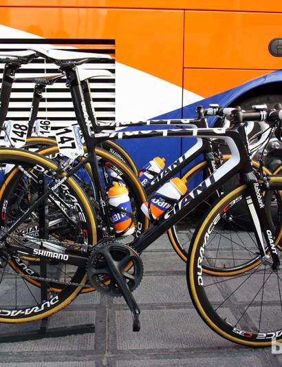 Rabobank riders were evenly split between Giant's TCR Advanced SL and Defy Advanced SL for Ronde van Vlaanderen
