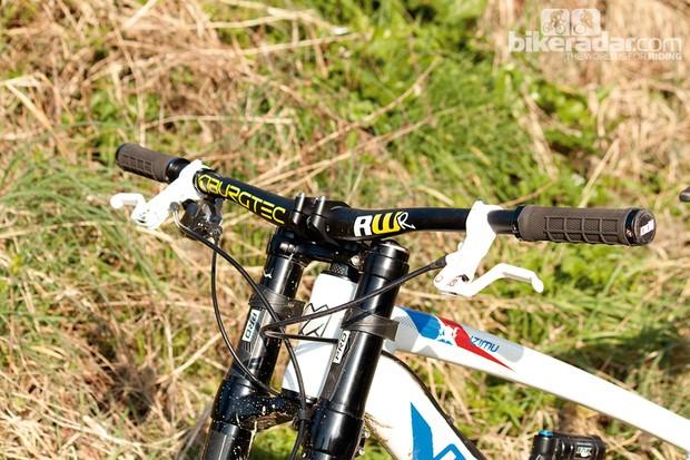 Burgtec RideWider handlebar
