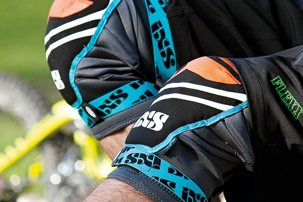 iXS Slope Evo knee pads