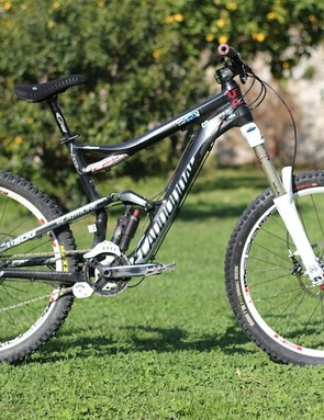 Aaron Chase's Cannondale Claymore is a versatile rig that suits his many types of riding