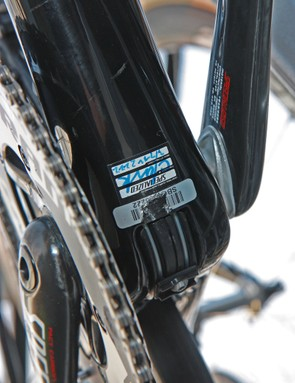 The internally routed Gore Ride-On Professional System derailleur cables make a brief appearance at the bottom bracket shell