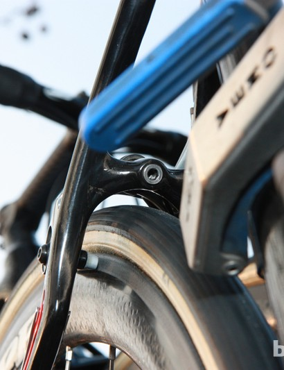 Even with huge 27mm-wide FMB Paris-Roubaix tubulars fitted, there's plenty of clearance