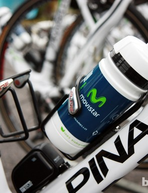 More Elite Ciussi aluminum bottle cages, this time on the Movistar team bikes