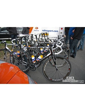 All of the Rabobank riders departed Compiègne aboard Giant Defy Advanced SLs. Lars Boom was planning on switching to his 'cross bike before hitting the cobbles.