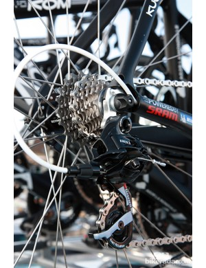 The cassette on this Ag2r-La Mondiale Kuota KOM Evo is nearly a straight block. Note the internally routed cables, which differs from the current consumer version.