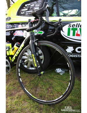 Farnese Vini-Selle Italia bikes were fitted with Ursus Miura T24 carbon tubulars as they set off from Compiègne.