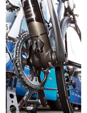 Interesting cable routing on FDJ-BigMat's Lapierre Sensium 2 bikes at Paris-Roubaix.