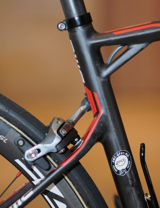 The kink in the seat stays just behind the seat cluster is designed to be a flex point