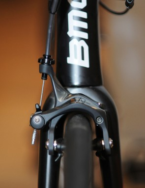 It's no small feat fitting 28mm-wide tires beneath standard brake calipers but BMC has done so on the new GranFondo GF01