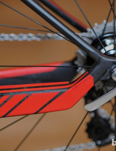 The kink in the chain stay is designed as a flex point, working in conjunction with the seat stay kink to create a sort of pseudo-linkage. Rear dropouts are intentionally offset rearward to create a moment arm that promotes movement at the flex points under bump loads