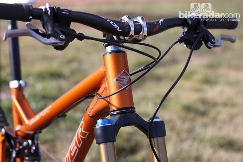 Turner spec a 44mm head tube, which allows use of a tapered-steerer fork