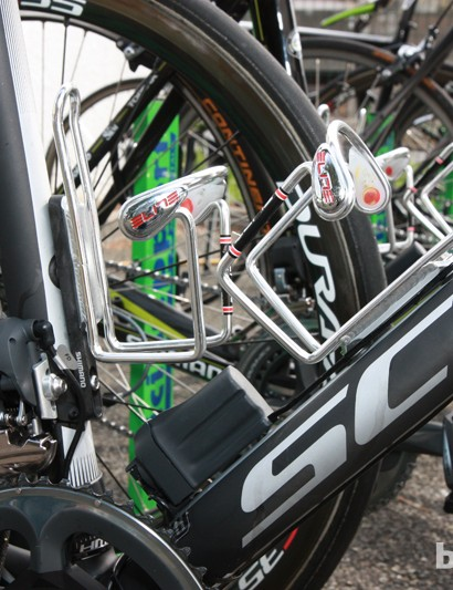 Elite Ciussi alloy cages provide a firmer hold on bottles over the cobbles than the company's carbon offerings