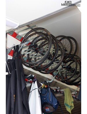 Lotto-Belisol's wheel forks have two positions so the wheels can be stored closer together