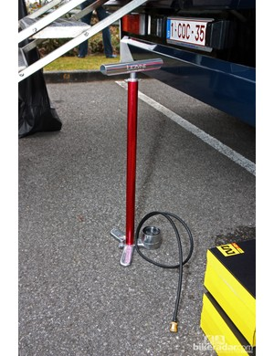 Lotto-Belisol mechanics spliced a press-on brass Silca head on to this Lezyne floor pump