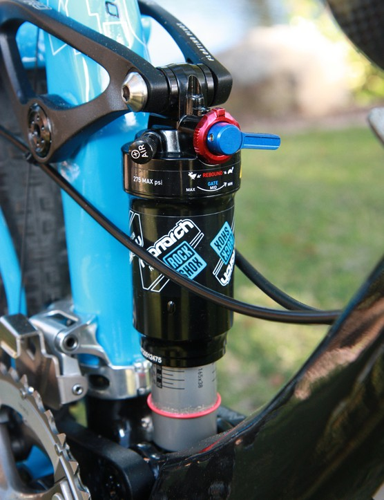 The top-end Giant Anthem X Advanced 29er 0 is suspended by a RockShox Monarch RT3 rear shock