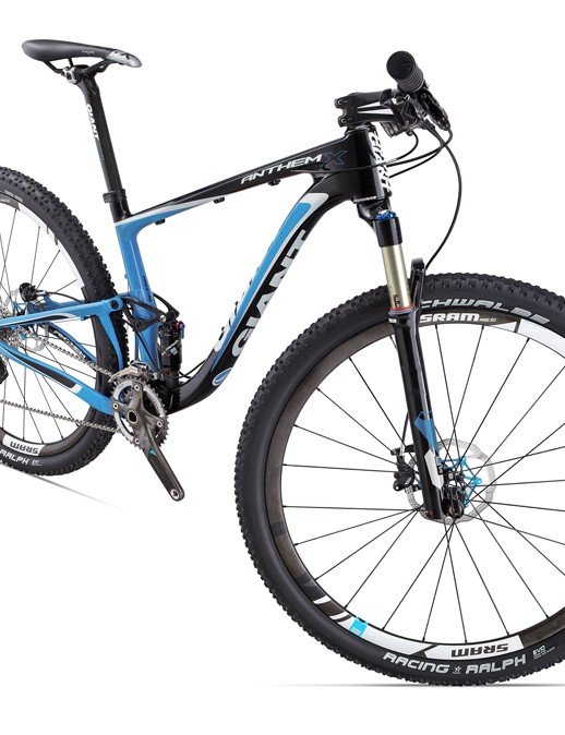 The new Giant Anthem X Advanced 29er 0 will come with a SRAM XX group and SRAM Rise 60 carbon wheels, though they'll later be replaced with Giant's own carbon hoops