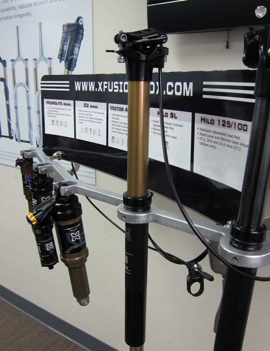 The HILO SL seatpost offers 125mm of travel at just over 500g for the entire package