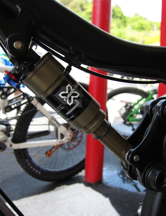 X-Fusion's MicroLite rear shock weighs as little as 160g depending on its eye-to-eye length