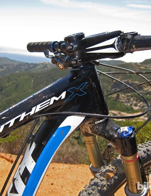 Steering is precise on the Giant Anthem X Advanced 29er 0 on account of the stout front triangle, the 1-1/4 to 1-1/2in tapered steerer tube and the 15mm through-axle fork dropouts