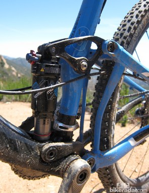 Giant stick with aluminum upper and lower links for the 100mm Maestro rear suspension