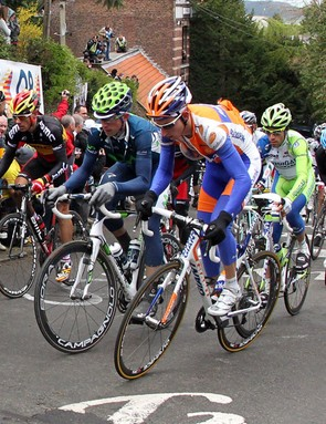 The men fight their way up the Mur de Huy