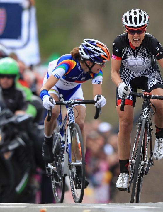 Stevens gets a gap on Marianne Vos