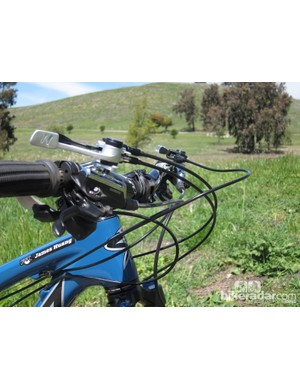 When both the DOSS dropper seatpost and dual CTD remote are mounted in conjunction with front and rear shifters, the result is a veritable rat's nest of cables