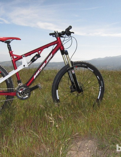 We had the chance to ride a Nicolai Helius outfitted with SRAM's Rise 40 650B wheels and the new RockShox Revelation