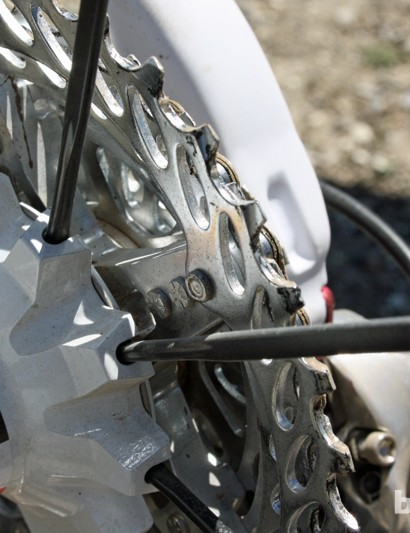Radial spoke lacing on the drive side helps to make a stronger wheel with less dish