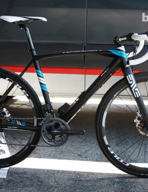 Raleigh say the new RXC Pro disc-equipped carbon 'cross bike will be available around July or August. Cost is still to be determined but will likely be in the neighborhood of US$6,000 complete with a Shimano Ultegra Di2 group, Cole Products carbon wheels and an ENVE Composites carbon cockpit